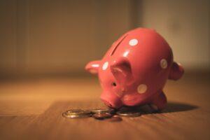 5 Pomysłów jak oszczędzać, aby rozpocząć inwestowanie